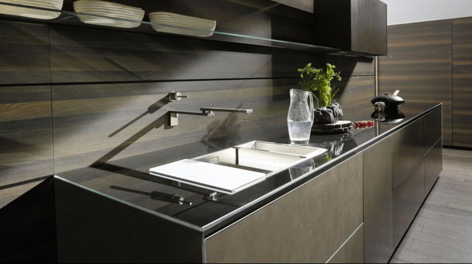 Cucine moderne valcucine ernestomeda vitale arredamenti for Vitale arredamenti