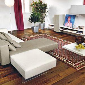 Soggiorno-con-divano-sospeso-e-mobili-di-design - Vitale ...