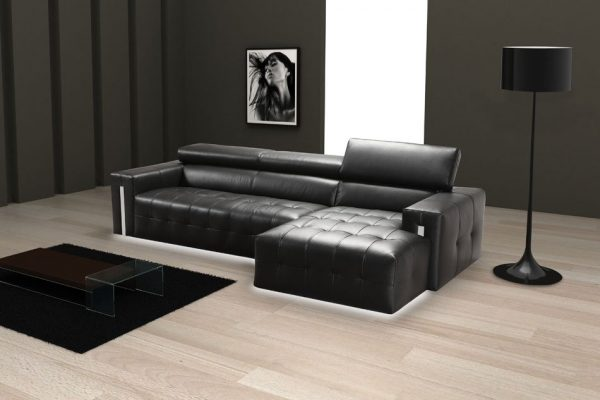 Divani in pelle con chaise longue